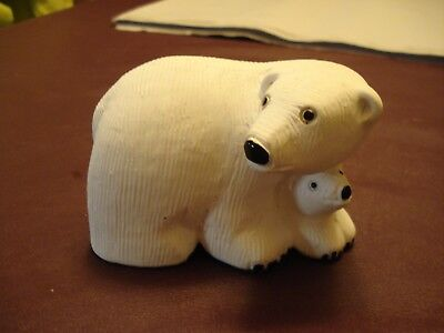 "Hand Crafted, Marked, White Polar Bear Mom w/ Baby, 2.5"" x 4"" x 2.5"