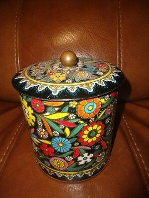 VINTAGE DAHER Painted Flowers floral Cookie Sewing Tin CONTAINER MADE IN ENGLAND