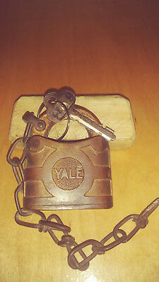 antique/vintage yale 853 lever padlock  w/key/chain works good         BB