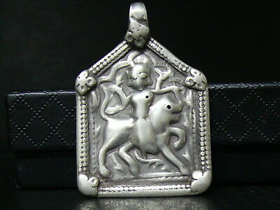 (eB1317) India: Old Sterling Solid Silver Pendant