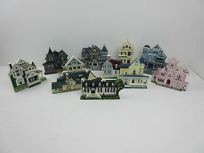 Shelia's Collectible Houses Lot of 11 Shelf Sitter Houses