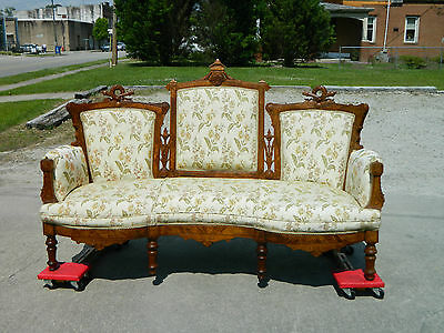 Walnut Victorian Triple Back Sofa Settee Laurel Wreath Carvings