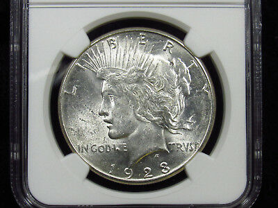 1923-S Silver Peace Dollar NGC MS62 (033)