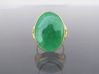Vintage 18K Solid Yellow Gold Oval Natural Green Jadeite Jade Ring Size 9.25