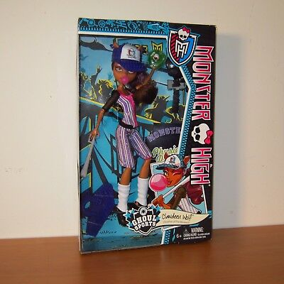 MONSTER HIGH - GHOUL SPORTS CLAWDEEN WOLF Doll ~ * New In Box ! *