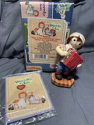 """RAGGEDY ANN & ANDY """"Music is the Laughter in our Hearts ~ Simon Schuster Enesco"""