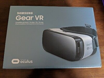 Samsung Gear VR Frost White Powered by Oculus New In Box