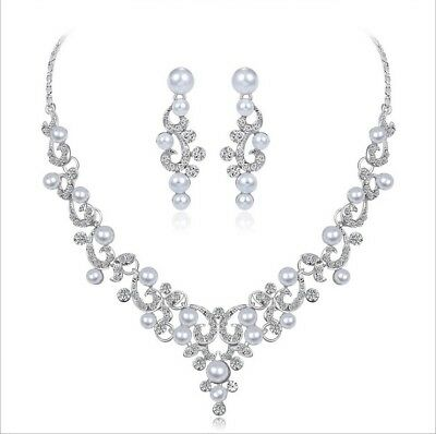 Two-piece set of earrings for bridal pearl and diamond necklace