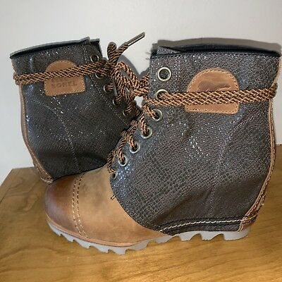 a8a3d686882 Sorel PDX Wedge Lace 7 1964 Lea Joan Arctic Elk Curry Camel Ankle Boot NEW
