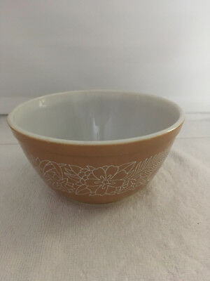 Vintage Pyrex Woodland Mixing Nesting  Bowl 1.5 Qt  Brown  402