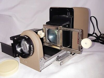 MINOLTA Mini 35 Compact Slide Projector Kit- Start a slide Party!