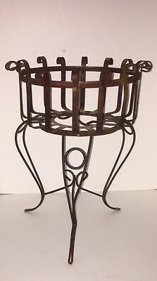 Vintage Rustic Wrought Iron Basket 3 Leg Pot Plant Planter Stand Holder