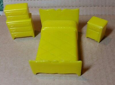 3 Piece Marx Vintage Plastic Doll House Furniture Bedroom Fixtures Yellow