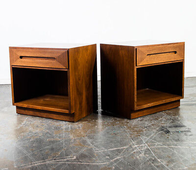 Mid Century Modern nightstands End tables Pair Two American Martinsville Vintage