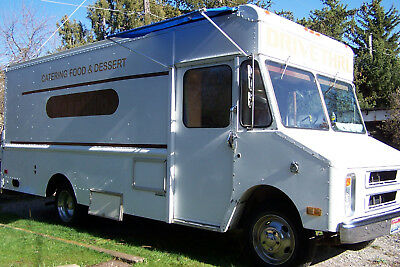GMC Mobile Food Truck Catering Concessions Roomy W/Generator Serving Window/ Bar