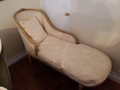 Vintage French Provincial Chaise Lounge - Nice -