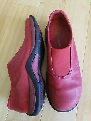 1432e2bf4 Red slip on Clarks Springers Womens Shoes Leather Size 9.5M
