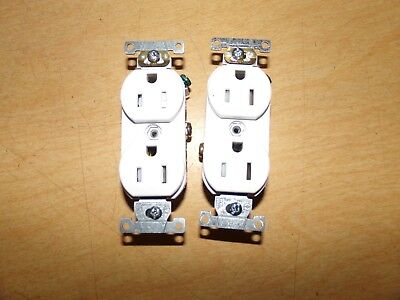 NEW Leviton 15A 125V White Electrical Outlets, Lot of 2  *FREE SHIPPING*