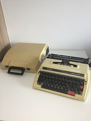 Vintage Brother Typewriter Deluxe 760TR Collectible W Cover