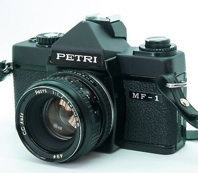 Petri MF-1 + Auto Petri CC 50mm F1.7 Montura M42 + Flash