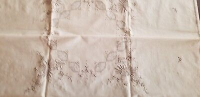 VINTAGE ECRU TABLECLOTH w/CUT-WORK EMBROIDERY-4 NAPKINS/TEA or CARD TABLE-NEW