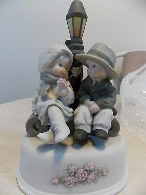 """Pretty As A Picture """"You Captured my Heart from the Very Start"""" music box"""