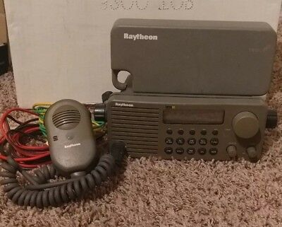 Raytheon Model Ray210 VHF Marine Radio, used working pull