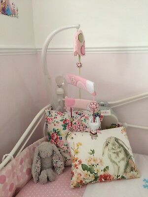 Mamas and papas baby cot mobile Bunny 🐰 Rabbit Pink 5 flowers In A Row