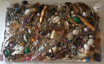 Over 700 Grams Job Lot Vintage Modern Beads Pendants Mixed Jewellery Craft Art
