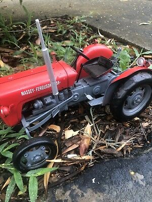 Tin Toy Red Large Tractor massey ferguson 35