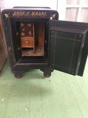 Antique Floor Safe in Good Condition