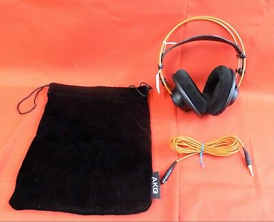 AKG K 712 Pro Black Open Over Ear Mastering Headband Headphones w Aux & Holder