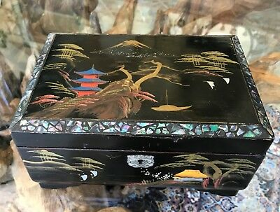 Beautiful Chinese Oriental Vintage Black Lacquer Jewellery Box