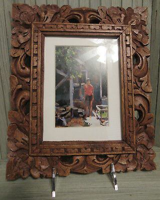 """Vintage Mexican Folk Art Carved Wood Frame  9.5"""" X 11.5"""" ext 5 x 7"""" int space"""