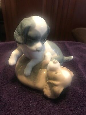 Vintage Lladro Nao Glossy Figurine 386 PLAYFUL PUPS Spaniel Puppies Playing Dogs