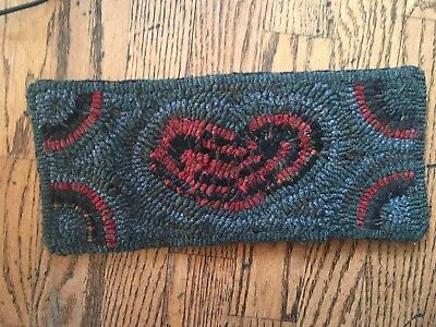 Hand Made Primitive Style Hooked Rug Red Heart