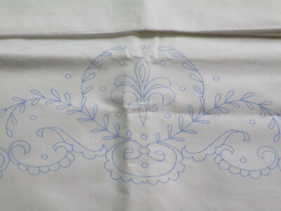 Stamped Pillowcases to Embroider - Fleur de Lis