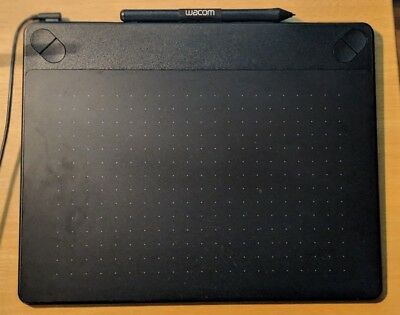 Wacom CTH-690 Intuos Medium Pen and Touch Tablet Black
