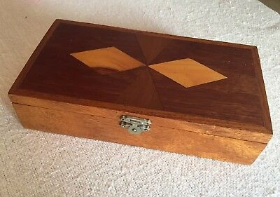 Vintage Wooden Box With Inlay Feature & Felt Lined