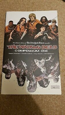 The Walking Dead Compendium 1 - graphic novel of the hit comic - excellent con