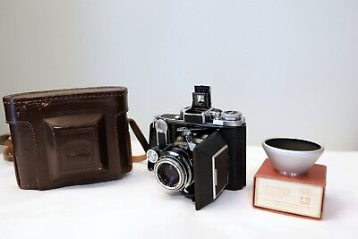 Zeiss Super Ikonta Model 531, Tessar T 75mm f/3.5 with case and Zeiss hood, Mint