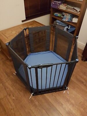 Lindam Safe And Secure Playpen With Playmat