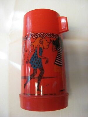 Groovy vintage thermos! It's THE PUSSYCATS made by Aladdin