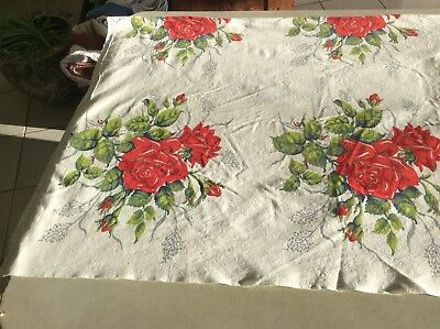 """BEAUTIFUL LARGE RED RED ROSES ROSES ROSES 1950's VINTAGE TABLECLOTH 54"""" By 80"""""""