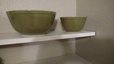 Vintage Set of 2 Pyrex Nesting Mixing Bowls Avocado Green Oven Ware 401, 403