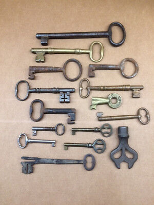 Lot of Assorted Antique / Vintage Skeleton and Specialty Key Collection