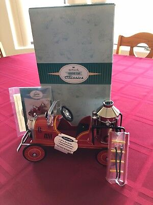 2000 HALLMARK  Kiddie Car Classics1924 Toledo Fire Engine #6 QHG9053 MIB