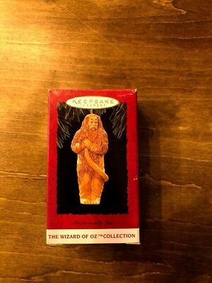 Hallmark Keepsake Ornament The Cowardly Lion The Wizard of Oz Collection