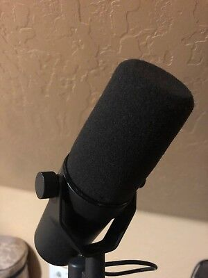 Shure SM7B Dynamic Wired Professional Microphone w/ Cloudlifter cl-1