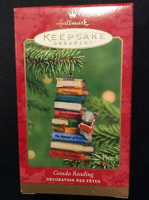 Hallmark Ornament GOUDA READING Books about Cheese Mouse Book Lover 2001